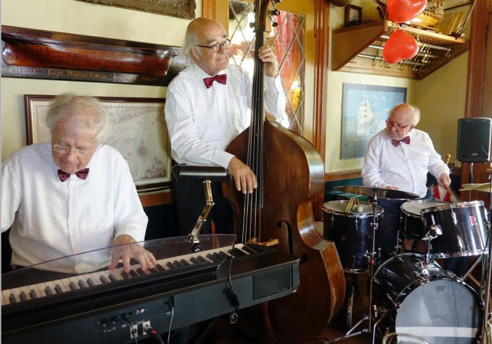 Oliver King Trio in het Museumcafé